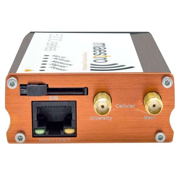 Maestro E220-serien kortsida LAN-port och antennkontakter